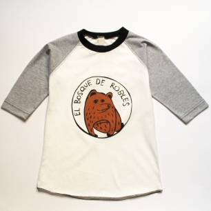 remera oso modelo